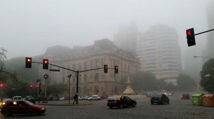 El miércoles se presenta con lloviznas y un poco de niebla.