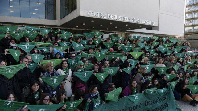 El pañuelazo a favor del aborto legal que se hizo en el Centro de Justicia Penal.