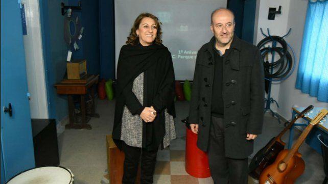 La intendenta Mónica Fein junto al secretario de salud del municipio