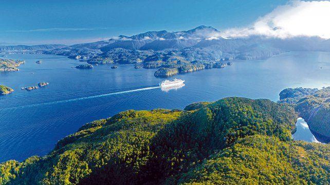 Dusky Sound. Su aislamiento geográfico lo ha convertido en uno de los fragmentos más naturalmente intactos de Nueva Zelanda