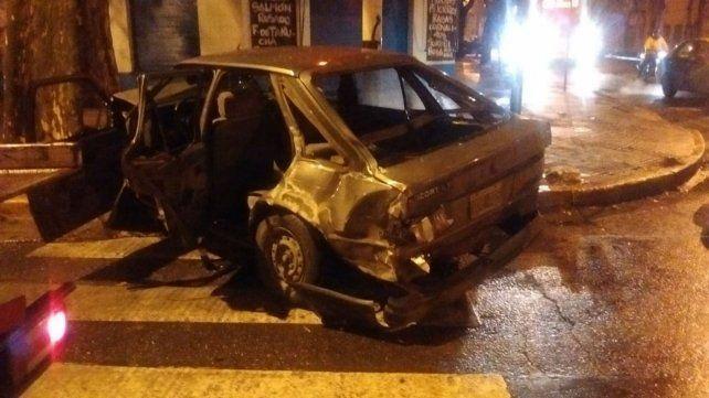 Así quedó el automóvil tras el choque.