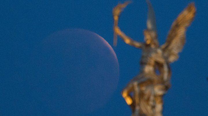 Cuándo se podrá ver el eclipse total de Luna más largo del siglo XXI