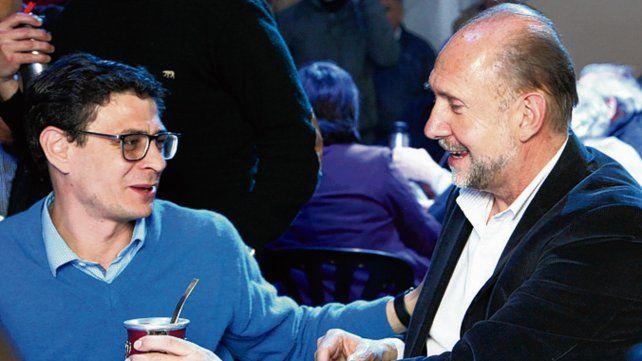 Intercambio. Perotti se reunió con vecinos de Villa Constitución.