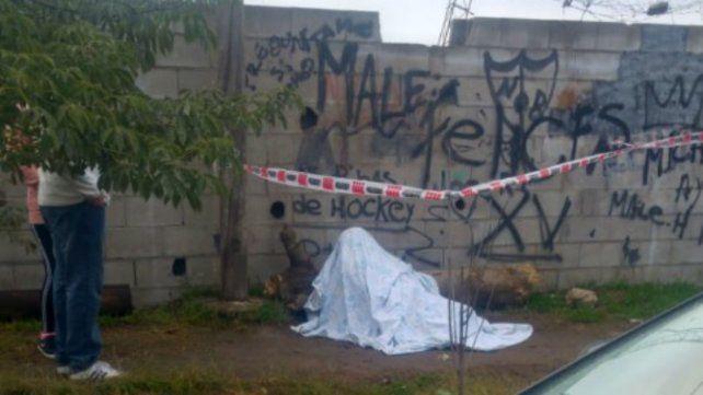 El cuerpo de la víctima fue hallado cerca de un paredón de Valparaíso al 2500.