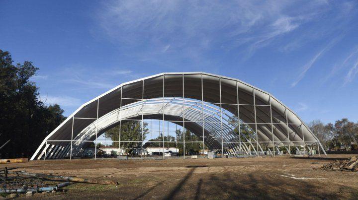 La estructura que se está montando en el parque tiene 72 metros de largo
