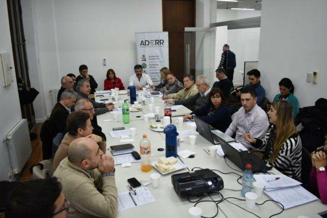 Autoridades locales y provinciales se reunieron con directivos de la Agencia de Desarrollo Regional Rosario.