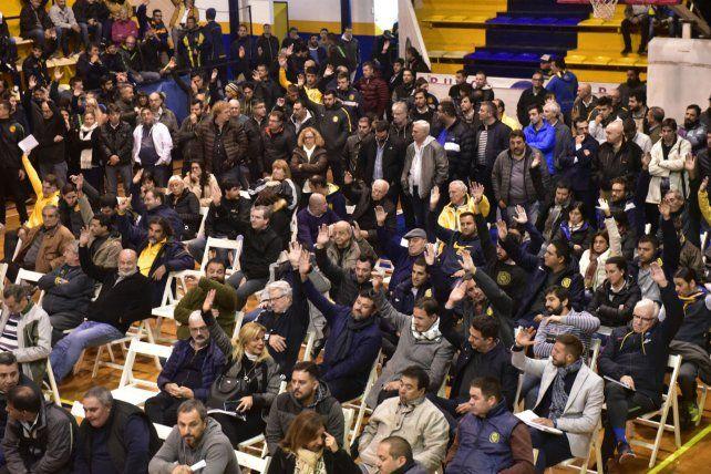 A alzar las manos. Mañana será la asamblea para aprobar la junta electoral.