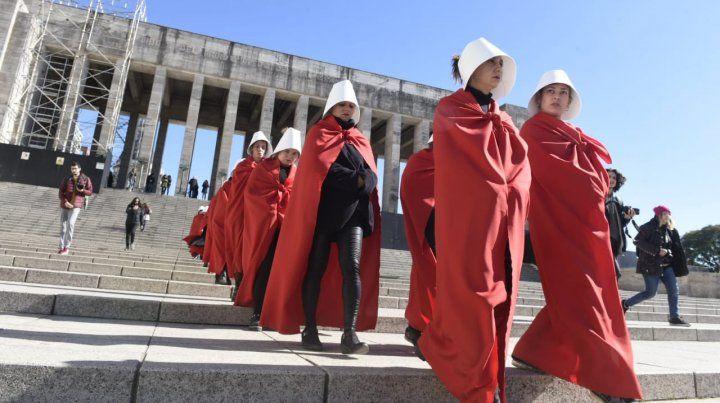 Una marcha de criadas rosarinas a favor del aborto legal