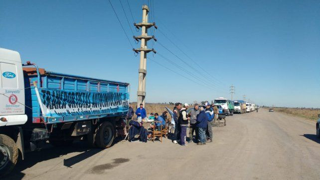 Caos en la zona de acceso a los puertos del cordón por una protesta de camioneros