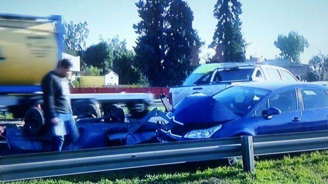 El Citroën C4 fue impactado por el trailer