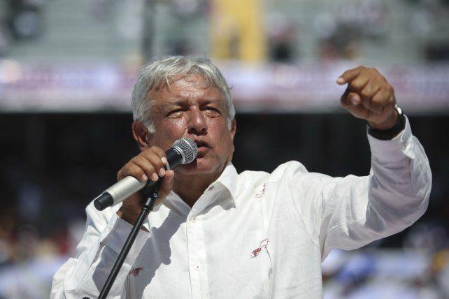 Líder ganador. López Obrador asumirá el 1º de diciembre.
