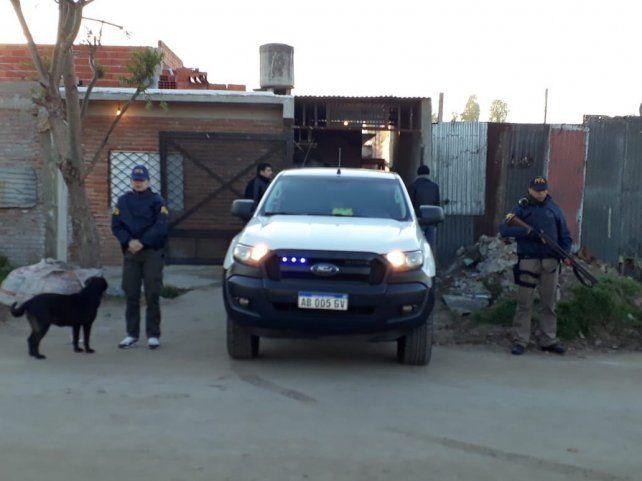 Detenidos y secuestro de droga en allanamientos de la Federal