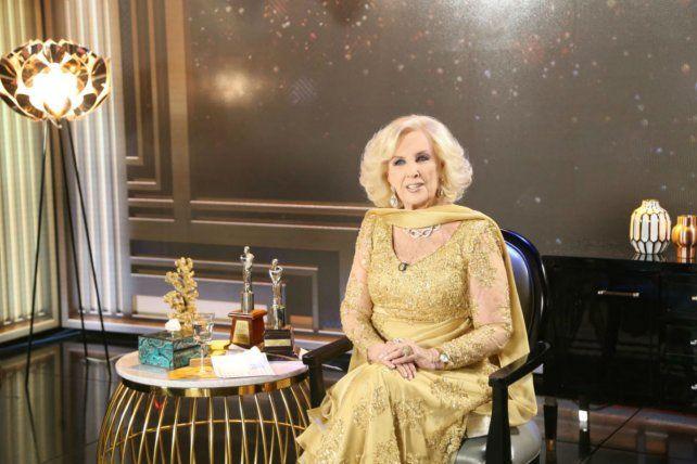 Elegante. La gran diva argentina durante el programa de anoche.