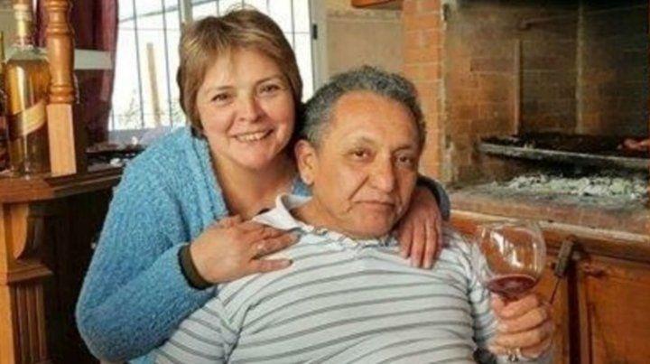 El ex chofer de Roberto Baratta junto a su mujer.