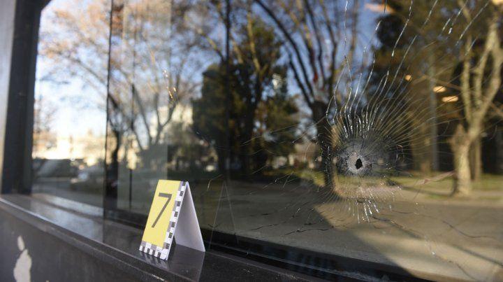 Al menos siete balas se dispararon contra la sede de los nuevos tribunales penales de Rosario.