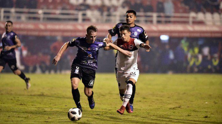 Primer paso. En esta edición de la Copa Argentina los rojinegros vencieron 2 a 0 a Deportivo Rincón y un grito fue de Torres.