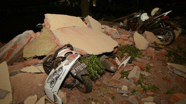 El sismo golpeó fuerte la ciudad de Mataram pero también se sintió con potencia en la turística isla de Bali.