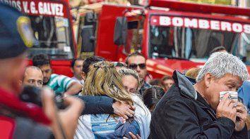 Huella indeleble. El ulular estridente de las sirenas marcará el momento exacto en que se desató la tragedia más grande de Rosario.