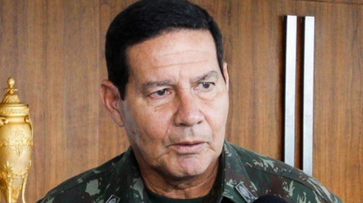 un duro. El general Hamilton Mourao elogió a represores de la dictadura.