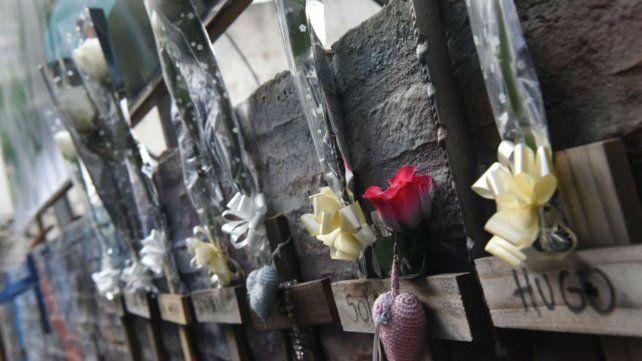 Con el sonido de las sirenas, recuerdan a las víctimas de la tragedia de Salta 2141