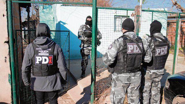 Uno de los seis operativos que hizo la PDI el sábado por acopio de drogas.