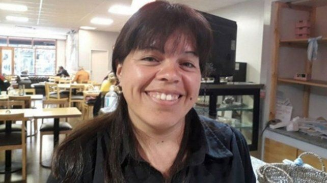 Ejemplo de vida. María Arias buscó al dueño y se los devolvió.