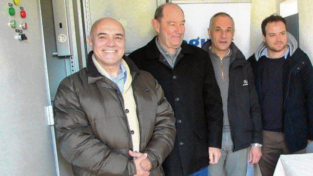 Recorrida. El titular de Aguas y los intendentes visitaron la planta.