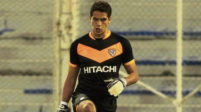 Apuntado. Aguerre tiene el pase en su poder y De Felippe lo dirigió en Vélez.