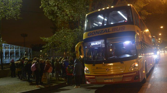 Más de cien micros parten desde Rosario rumbo al Congreso