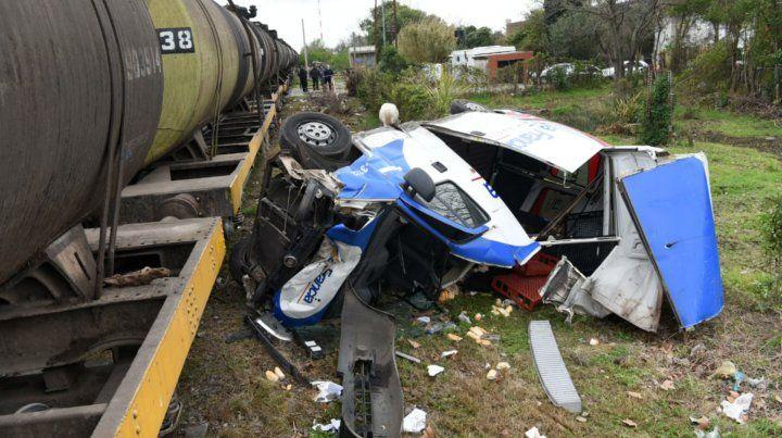Una camioneta fue embestida por un tren en la zona norte de la ciudad