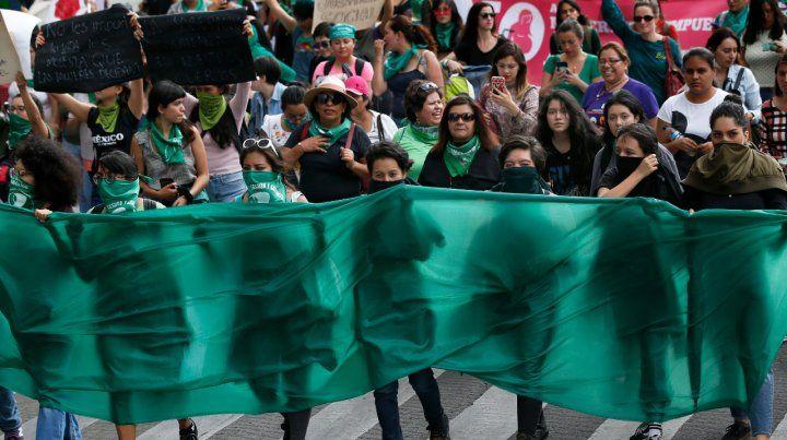 Marcha en México para pedir la legalización del aborto en Argentina