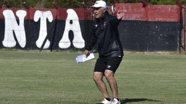 Lo piensa. Omar definirá a los once para visitar a Vélez a último momento.