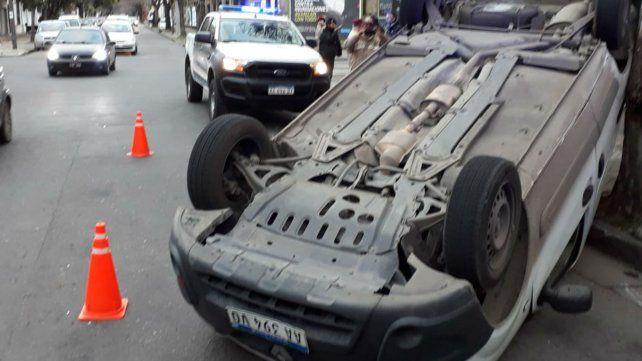 Uno de los vehículos involucrados en el choque.