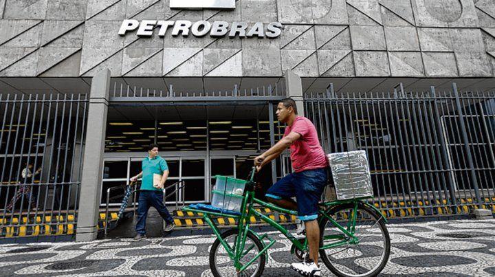 Envión. Petrobras perdió en total u$s16.000 millones por la corrupción.