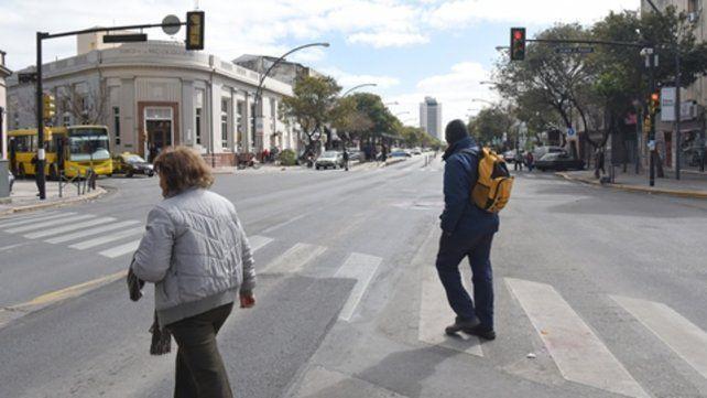 La esquina. El peligroso cruce de avenida Alberdi y Juan José Paso