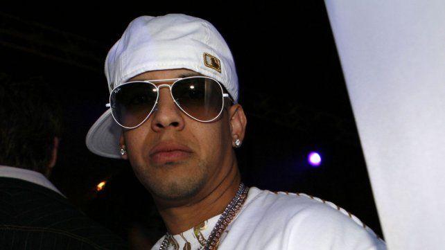 Se hizo pasar por Daddy Yankee y le robó millones en joyas