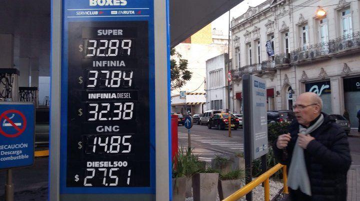 YPF volvió a aumentar las naftas en menos de una semana