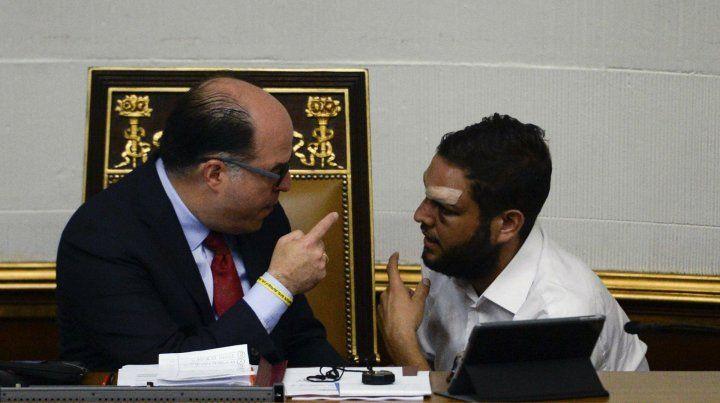 Sospechas. El ex presidente del Congreso Julio Borges (izq) junto a Requesens