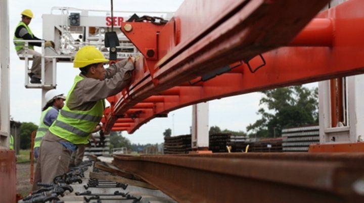 En obra. Belgrano Cargas ya inició la renovación de 1.600 kilómetros de vías en varias provincias.