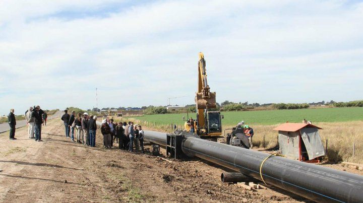 Infraestructura. Se firmó el contrato para la obra que llevará agua a Rafaela desde el este de la provincia.