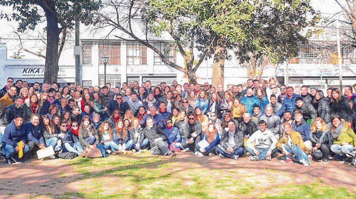 equipo. Legisladores y dirigentes de Cambiemos replicaron el timbreo en Rosario.