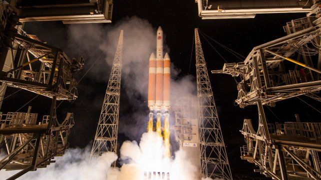 Despegue. La sonda fue lanzada dentro del cohete Delta IV Heavy.