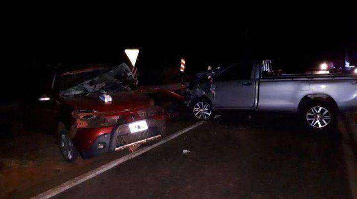 Cuatro muertos en un choque frontal entre dos autos