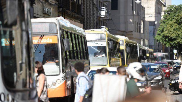 En casi medio siglo nunca viajaron tan pocos pasajeros en ómnibus urbanos