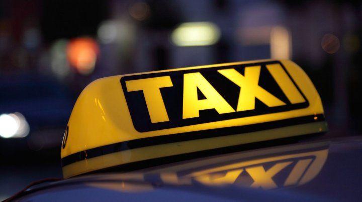 En viaje y conectados. El sistema inalámbrico gratuito llega al taxi.