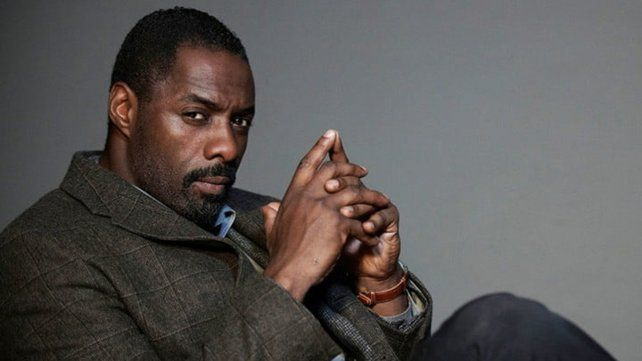 Intrigante. Idris Elba parafraseó en su cuenta de Twitter una famosa línea del espía creado por Ian Fleming.