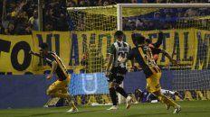 Se grita así. El primer gol con la camiseta auriazul de Matías Caruzzo, el del triunfo frente a Banfield.