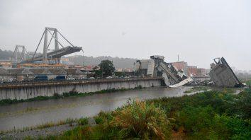 Los videos de la caída del puente que se desplomó en Génova