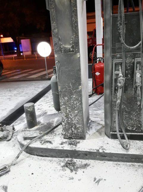 Un joven fue detenido por prender fuego una estación de servicio