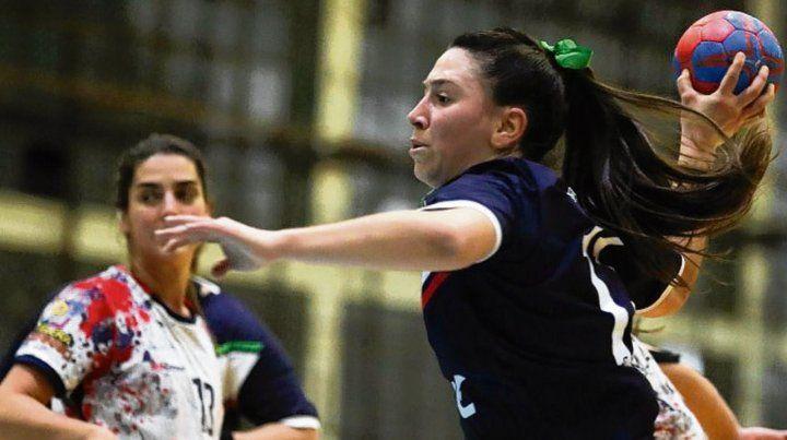 Previo al gol. Araceli Coria